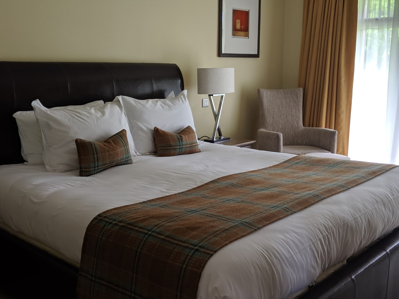 A Short Break at Cameron Lodges, Loch Lomond - lodge 116 main bedroom