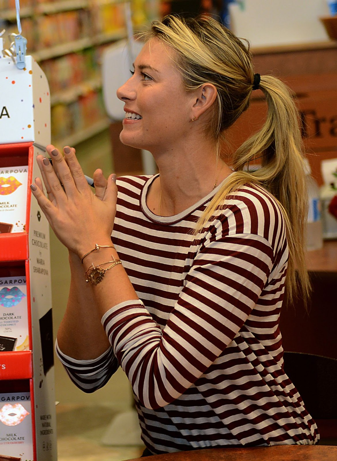 Maria Sharapova Promotes Her Sugarpova Candy in Franklin