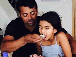 Aiyana Paes With His Father
