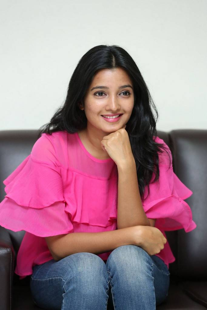 Hyderabad Beautiful Telugu Girl Stills In Pink Top Jeans Deepthi Shetty