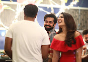 rashi khanna birthday party photos-thumbnail-5