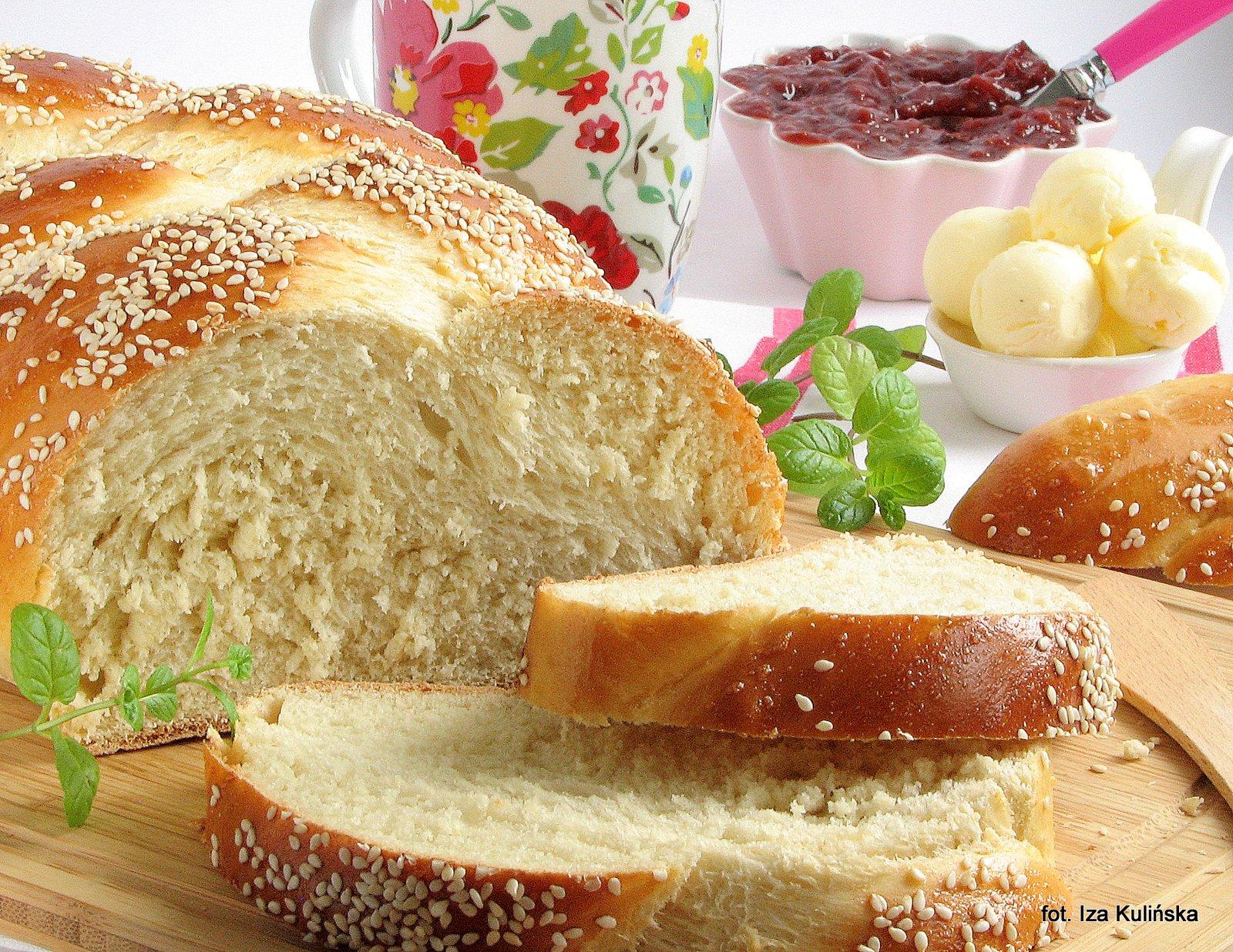 Domowe pieczywo - Chałka  - wypiekanie na śniadanie
