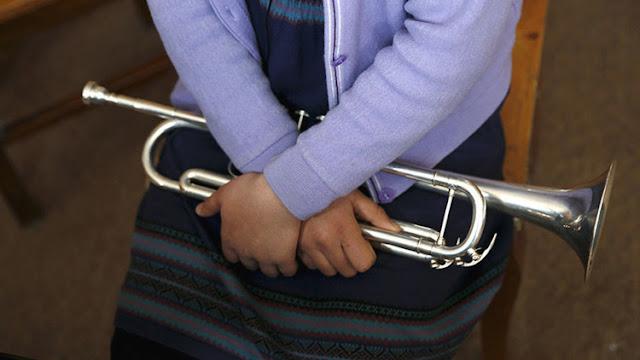 Un músico condenado por pedofilia es asesinado con su propia trompeta en Argentina