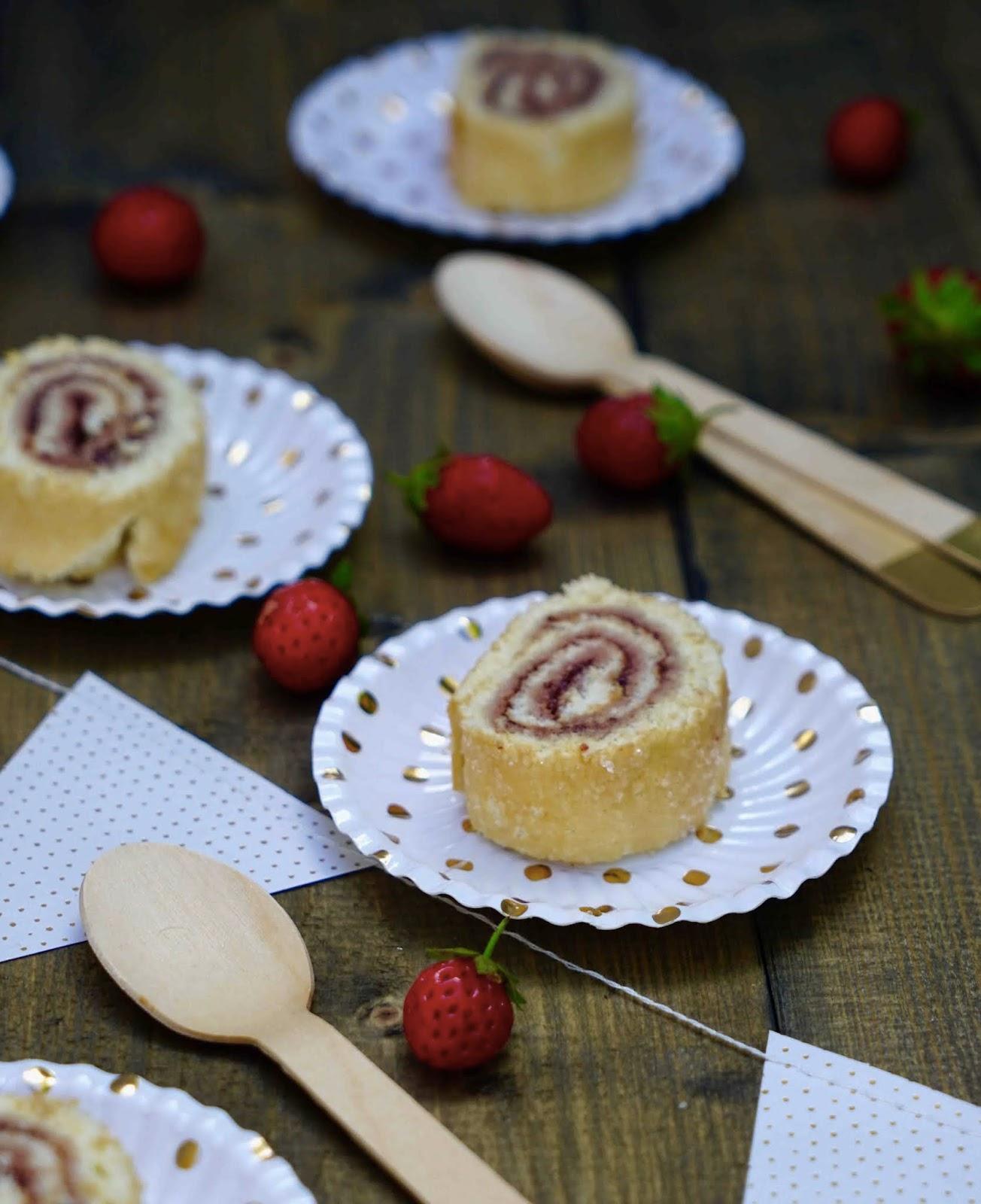 gâteau roulé , confiture de fraises , recette facile ; goûter des vacances