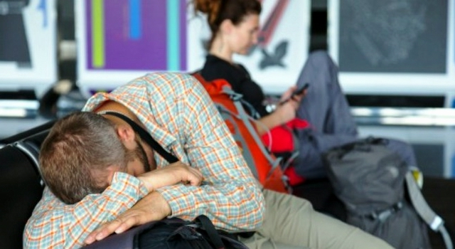 كيف تتعامل مع تأخر أو إلغاء رحلات الطيران