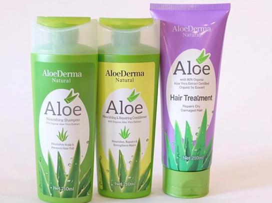 Hair care routine using aloe vera