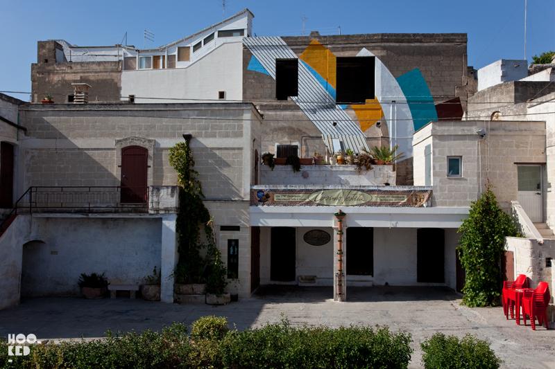 Italian Street Art in Puglia by artist MOMO for the Fame Festival