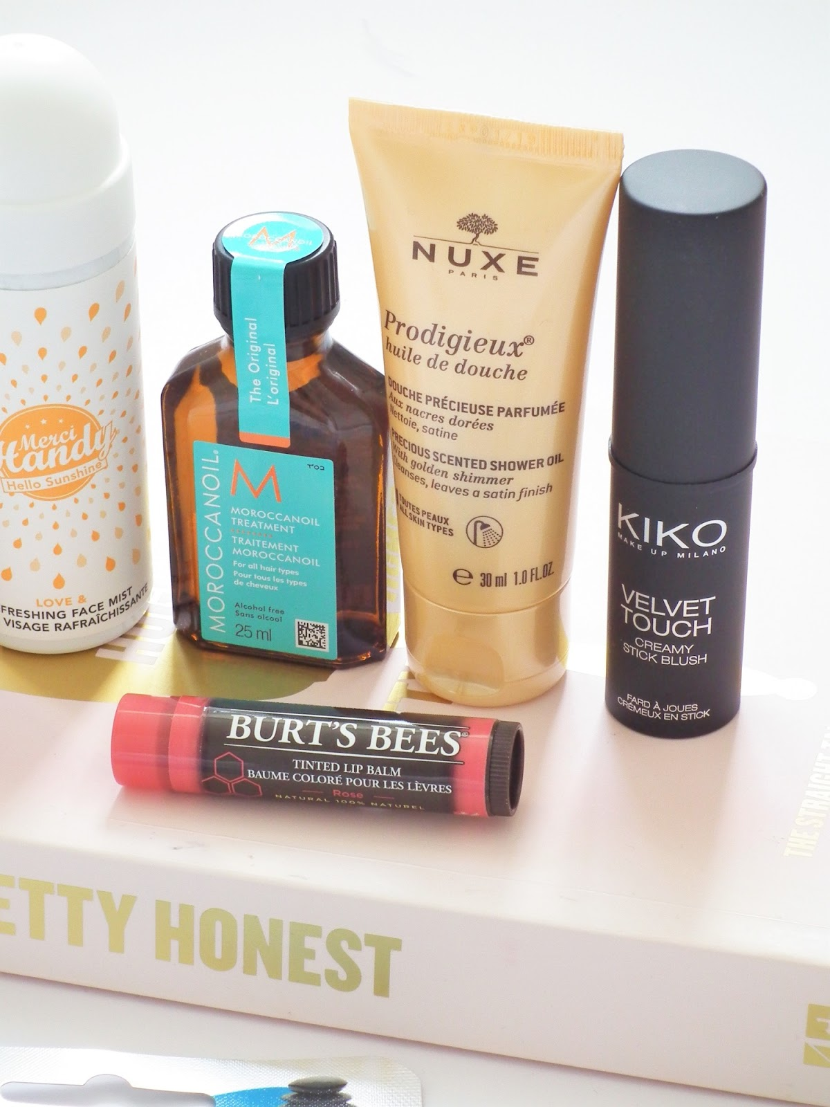 Latest In Beauty - Beauty Guru Box* | First Impressions