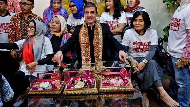 Mau Nyapres, Sam Aliano Cari Ibu Negara dengan Maskawin 1 Kg Emas, Minat?
