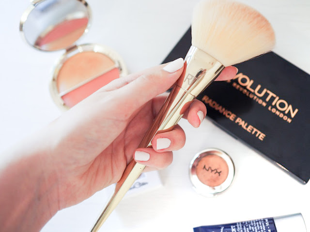 Real Techniques Angled Powder Brush