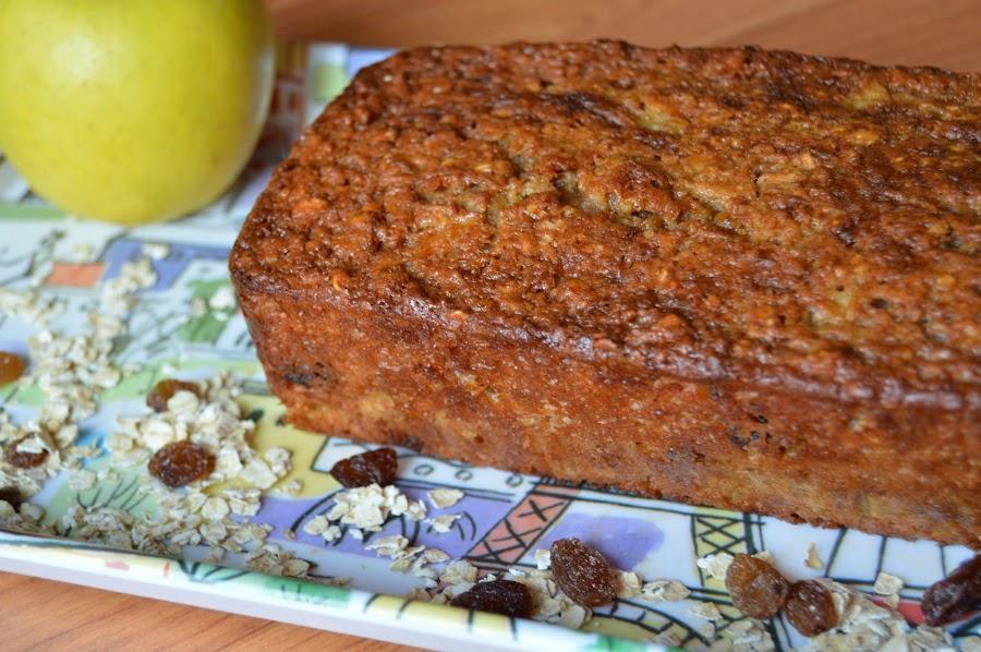 ¡Qué bien tiene que oler y qué bien tiene que saber!: bizcocho ligero de manzana y avena