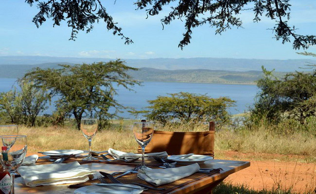 Xvlor Lake Nakuru National Park is conservation ring for pink flamingo battalions