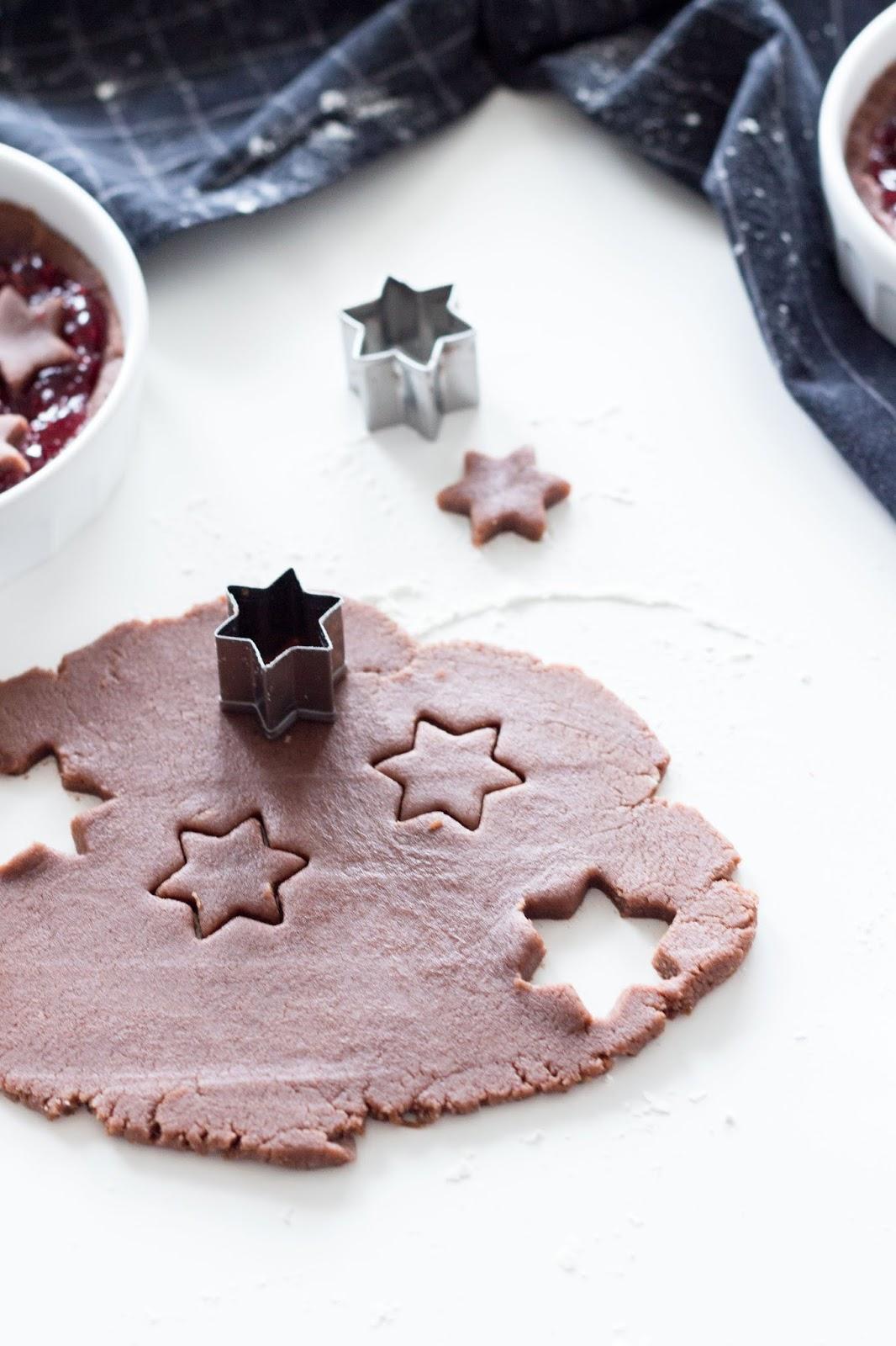 Rezept | Mini-Linzer-Törtchen zum Verschenken an Weihnachten | www.scandiinpsiration.com