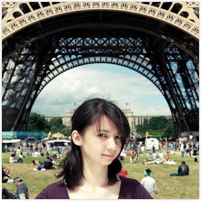4345204001 d4b0f0461e o Gadis Cantik dengan Misi Mencium 100 Lelaki Asing di Paris