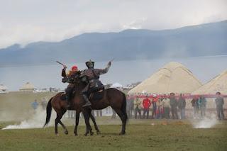 В Кыргызстане отметили 220-летие предводителя кыргызов Тайлак-баатыра (фото)