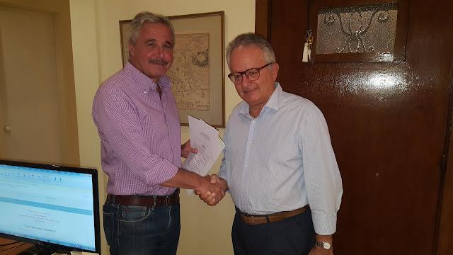 Κατέθεσε τις απαραίτητες υπογραφές στην επιτροπή Αλιβιζάτου ο Γ. Μανιάτης