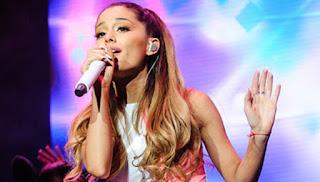 Ariana Grande Tidak Takut Teror dan Kembali Melanjutkan Tur Konser