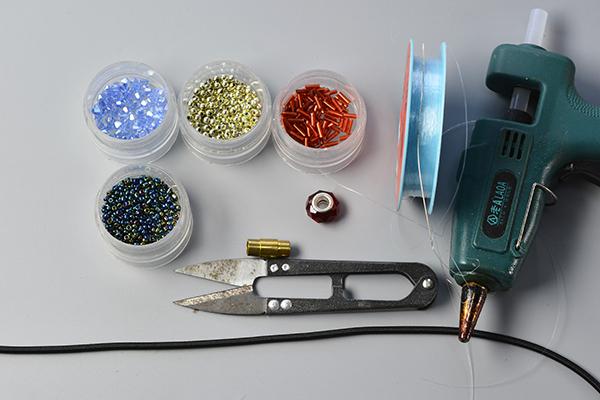 diyhandwerk wie kann man ein modisches armband zum muttertag basteln. Black Bedroom Furniture Sets. Home Design Ideas