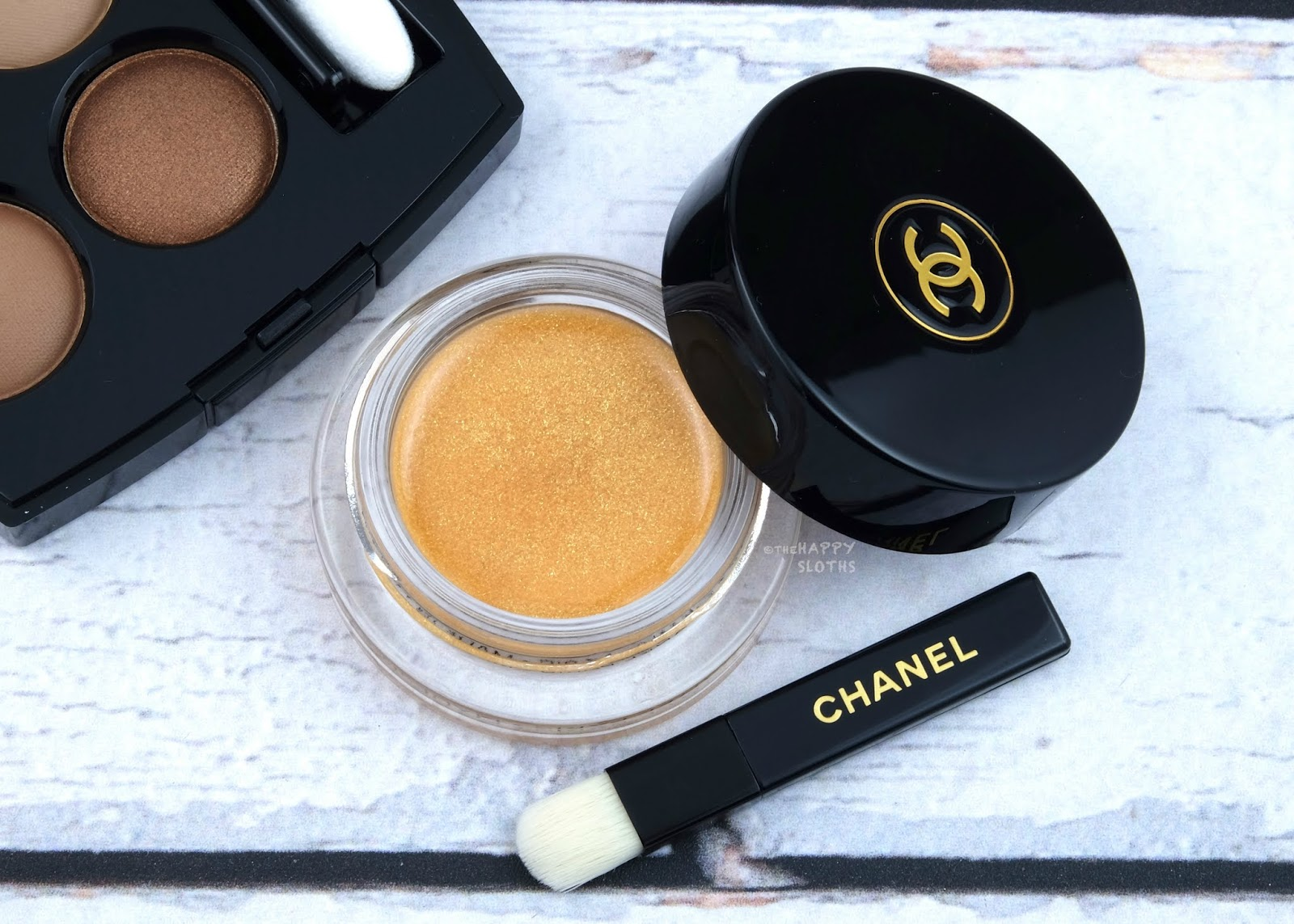 "Chanel Cruise Collection 2019 | Ombre Première Gloss Top Coat Eyeshadow in ""Solaire"": Review and Swatches"
