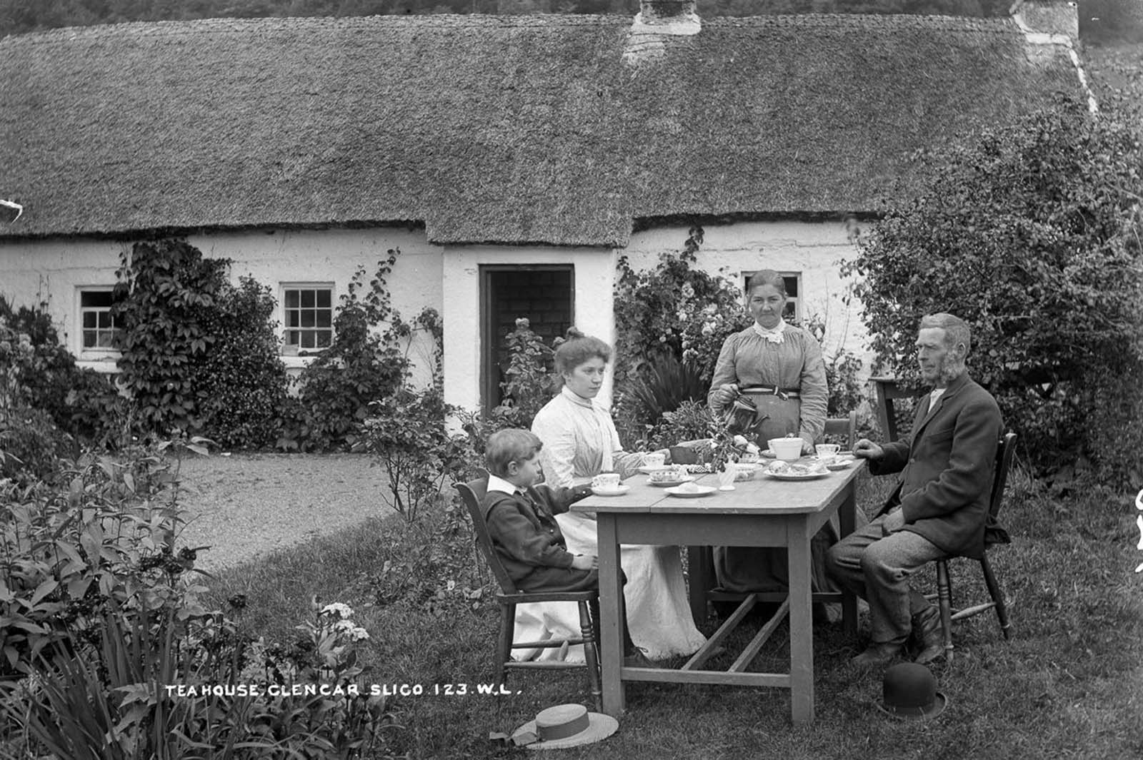 The Glencar Tea House in County Leitrim. 1900.