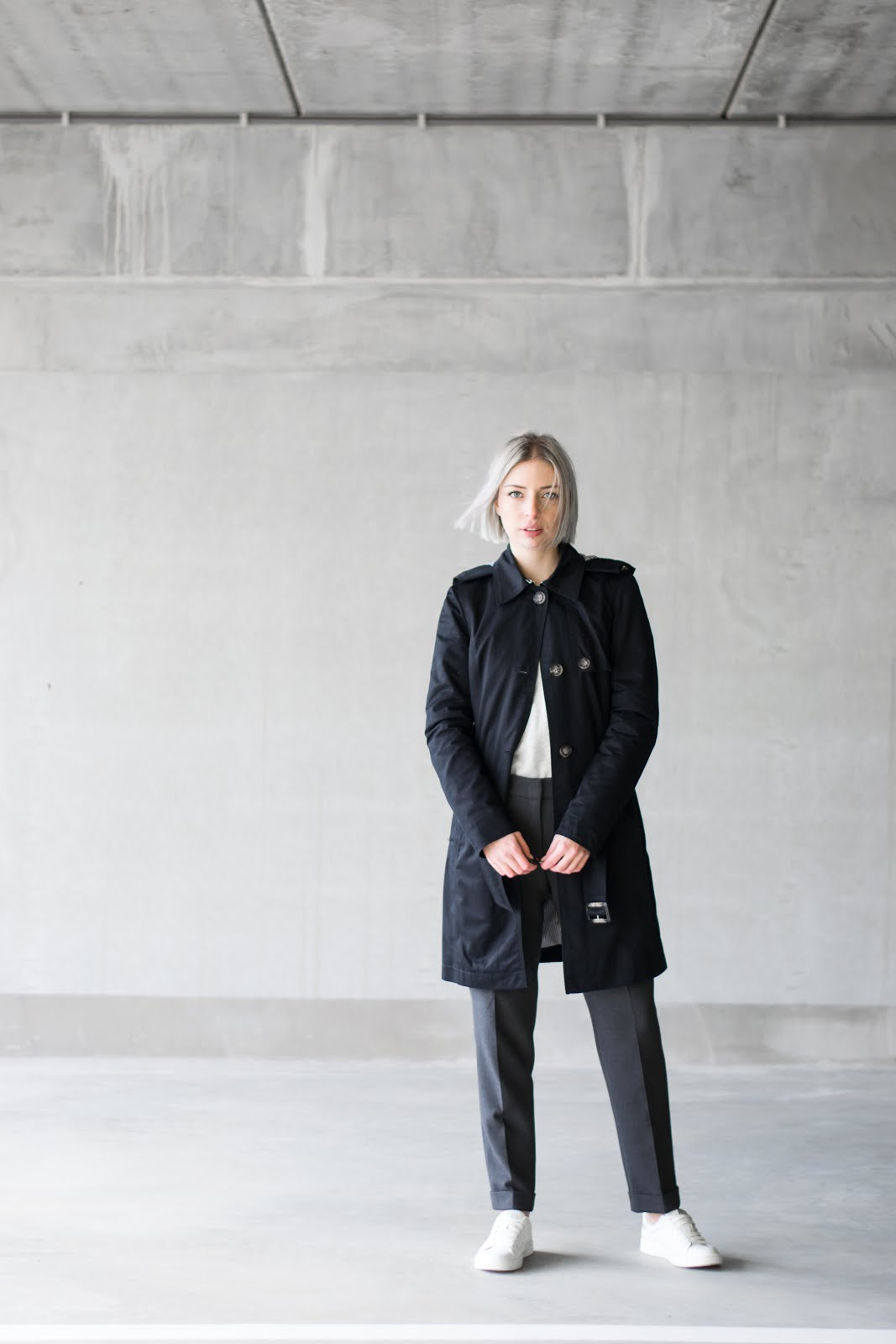 s.Oliver, trenchcoat, black, casual, outfit, street style, minimal, how to wear