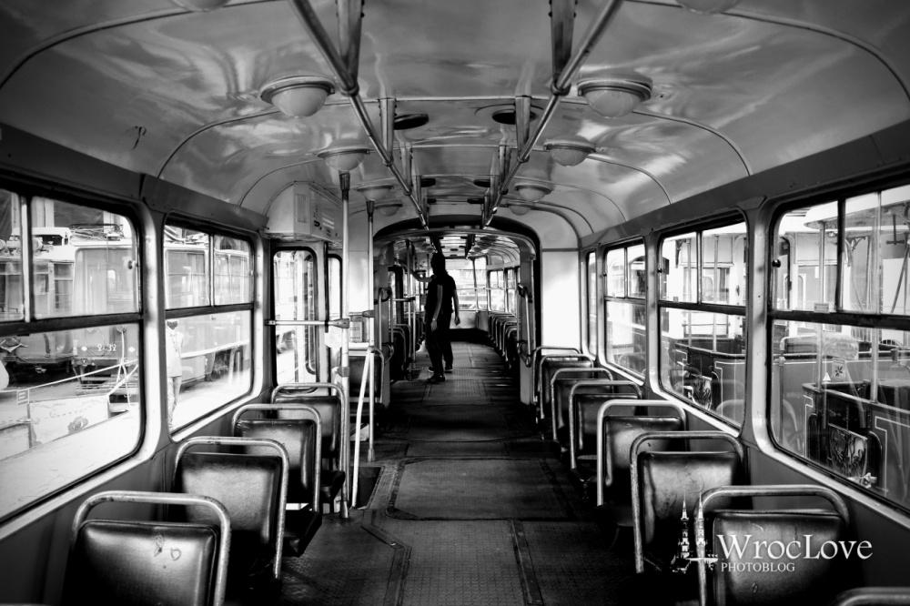 wnętrze tramwaju Konstal 102Na