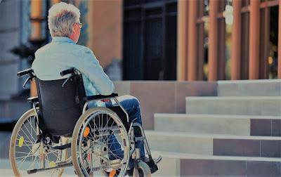 Jak usunąć bariery utrudniające poruszanie się osobom na wózkach inwalidzkich?