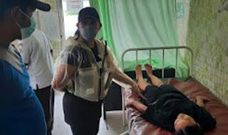 Aksi Heroik Istri Kapolres Samosir Tolong Korban Laka Lantas
