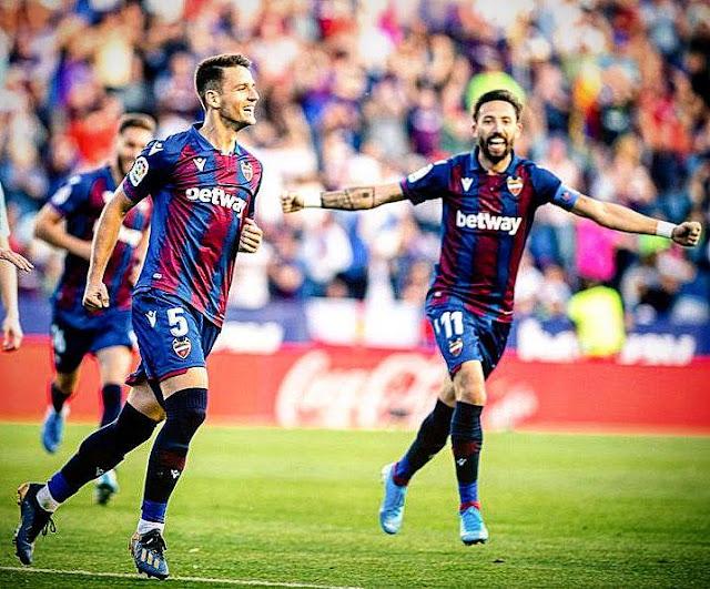 ليفانتي يفوز علي برشلونة بثلاث اهداف لهدف في مفاجأه مدوية