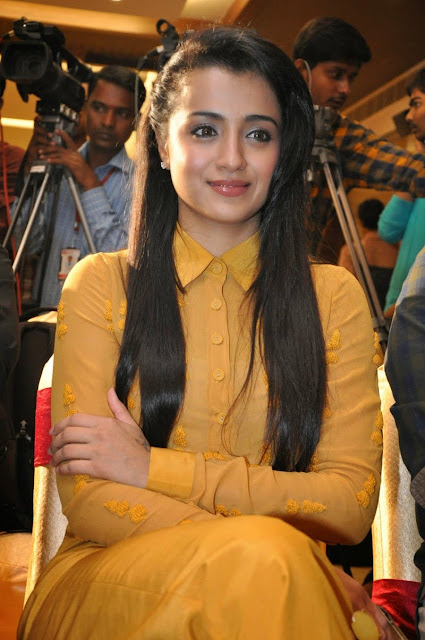 Trisha Krishnan  IMAGES, GIF, ANIMATED GIF, WALLPAPER, STICKER FOR WHATSAPP & FACEBOOK