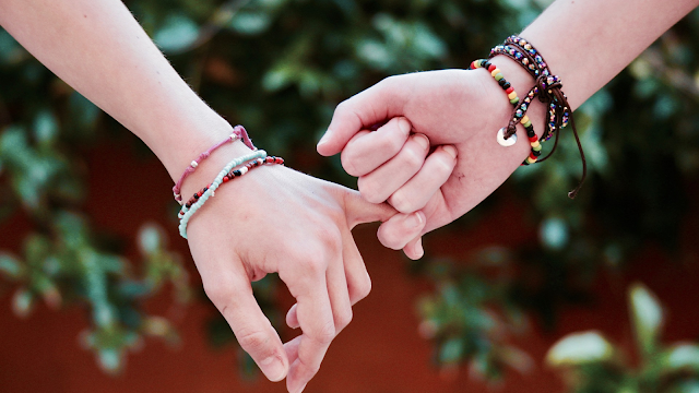 What is right time to wear the charm bracelet?
