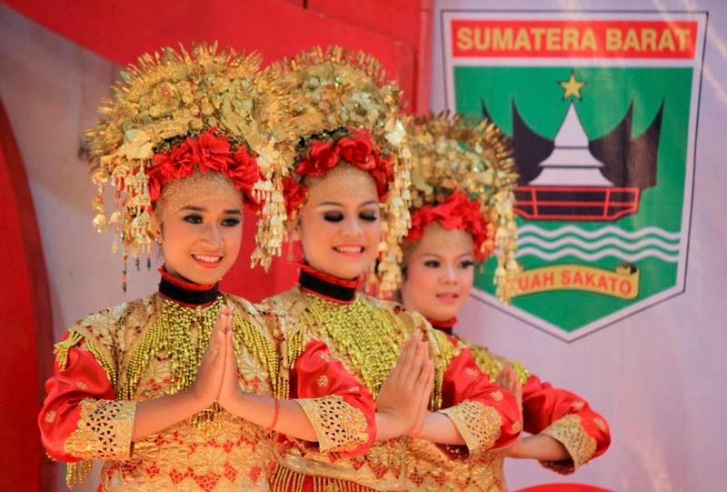 16 tarian tradisional sumatera barat tradisikita rh tradisikita my id