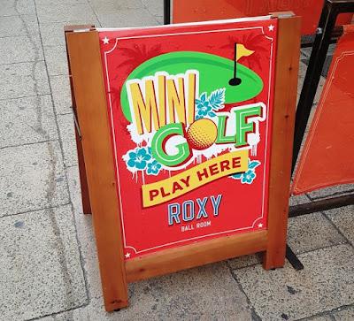 Roxy Ball Room minigolf in Manchester
