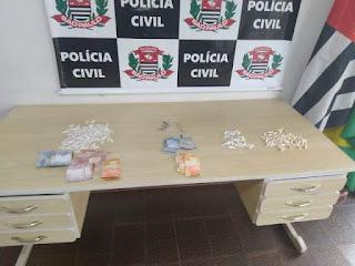 POLÍCIA CIVIL PRENDE DOIS TRAFICANTES DE DROGAS E APREENDE TRÊS ADOLESCENTES EM REGISTRO-SP