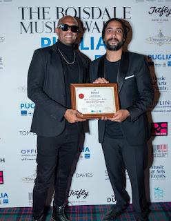 تحصد فرقة شارموفرز كأفضل فرقة غنائية على مستوي العالم بجائزة Boisdale music