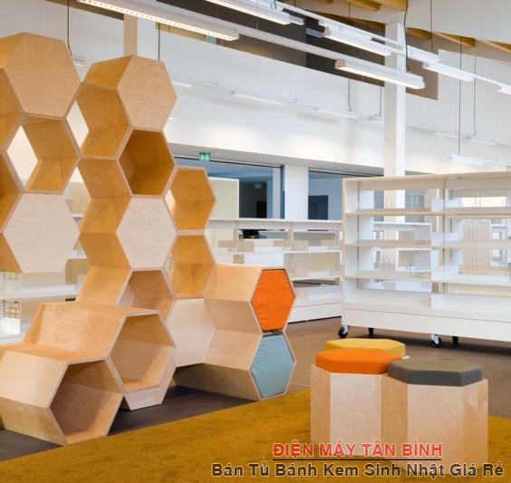 kệ gỗ trang trí văn phòng