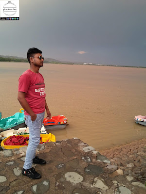 Shankar das blogger at sukhna lake chandigarh