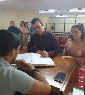 Ex-padre de Guarabira, Everson Danilo se casa no civil em cerimônia discreta