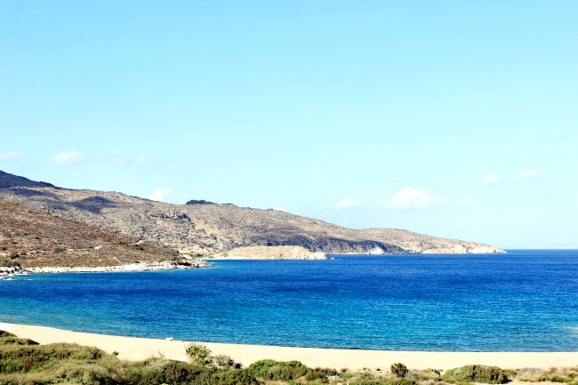 Kalamos plaza na ostrvu Ios