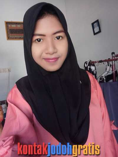 Rahayu Mahasiswi Cantik Jawa Timur Cari Jodoh Setia