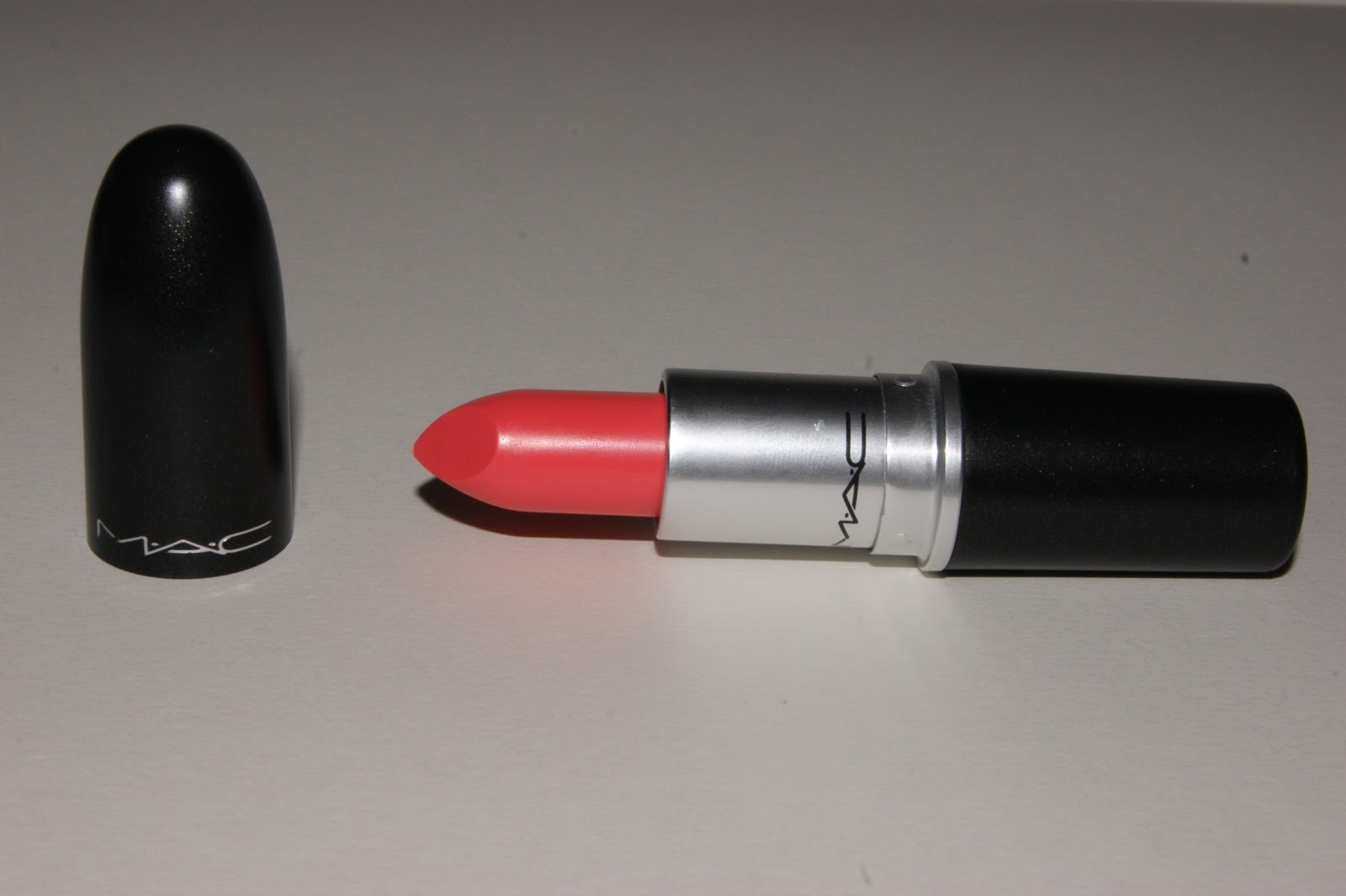 MAC Flamingo Lipstick Review | The Sunday Girl