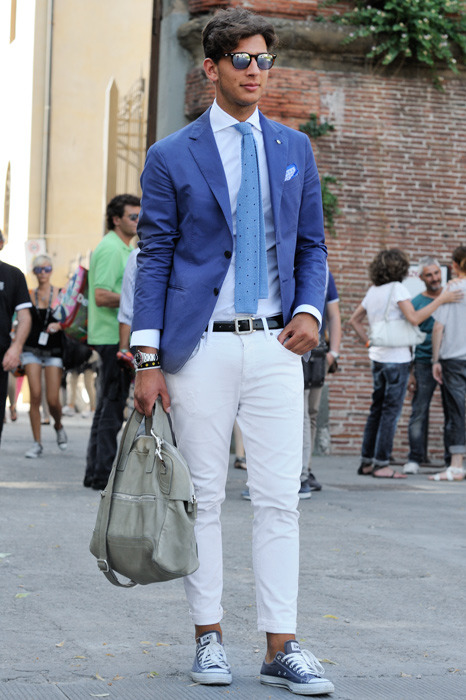 Find and save ideas about Men's white pants on Pinterest. | See more ideas about White pants for men, Urban style fashion men and Mens white sneakers.