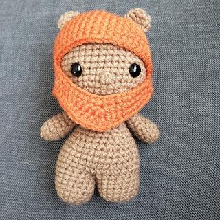 R2-D2 Crochet Hat Tutorial | Oomanoot | 320x320