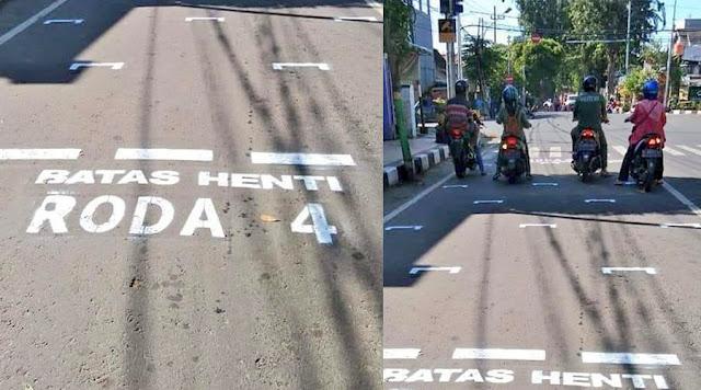 Penjarakkan Sosial Antara Penunggang Motosikal Berlaku Di Indonesia