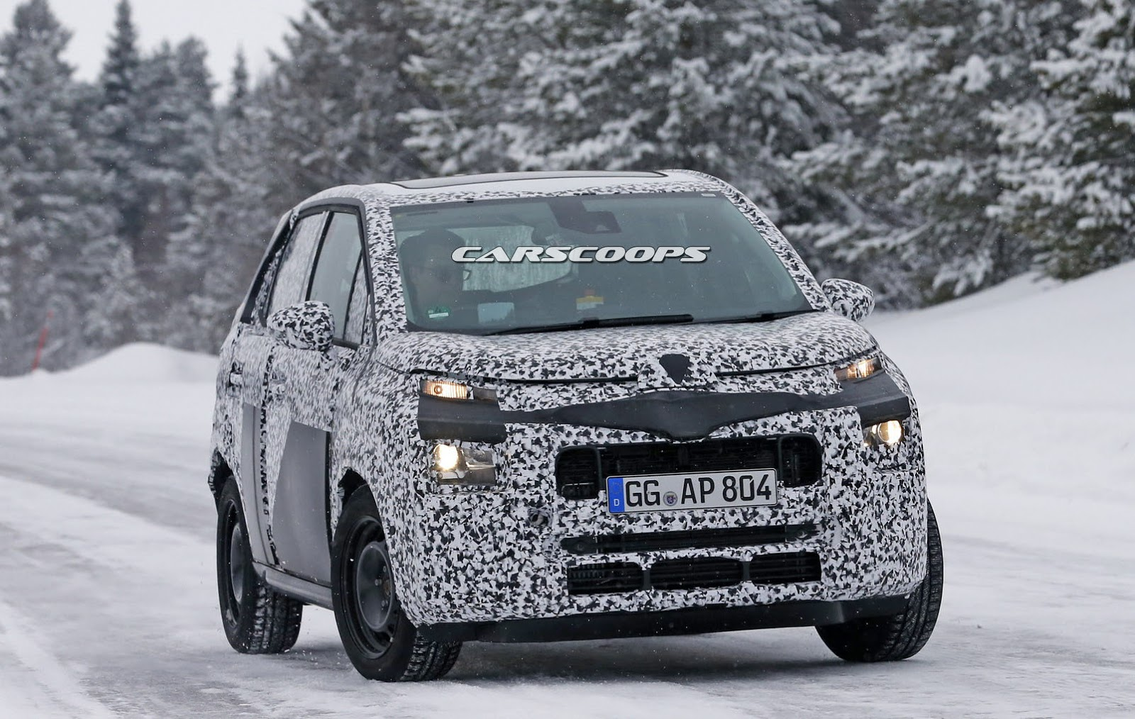 next citroen c3 picasso spotted front likely inspired from e mehari. Black Bedroom Furniture Sets. Home Design Ideas
