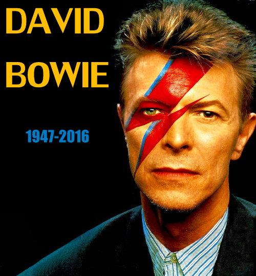David Bowie con la cara pintada