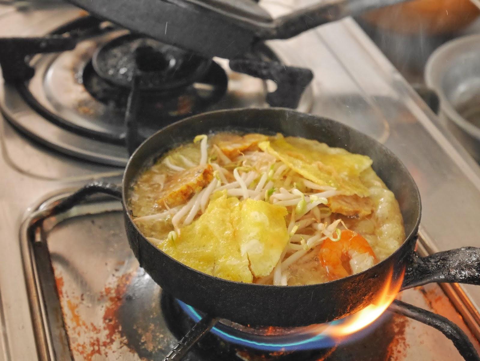 making Banh Khoai by Lac Thanh
