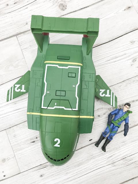 Thunderbird 2 airplane style vehicle