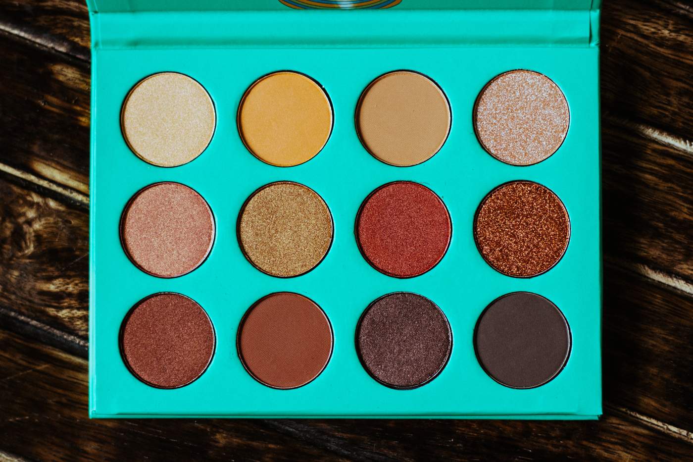 juvias-place-nubian-eyeshadow-palette-review-swatches