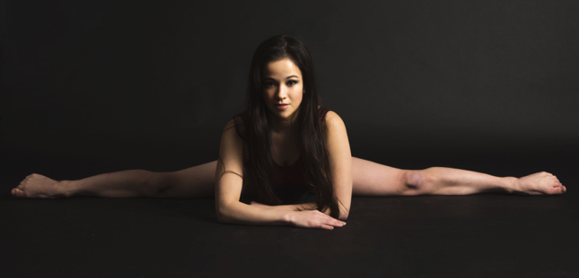 Pixie Le Knot (born Jennifer Keith) is a London contortionist.